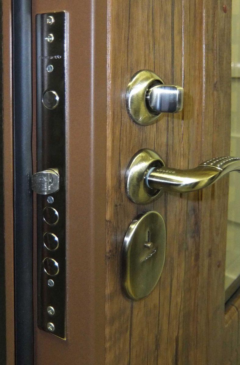 дверь металлическая входная заводского изготовления